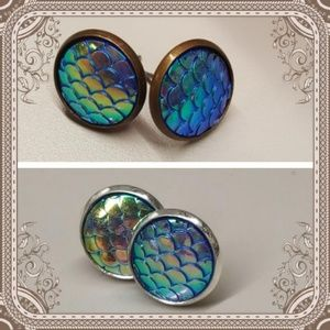 Jewelry - 2 for $10 💖 Mermaid scale iridescent studs